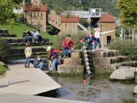 Wanderung zum Park am Mäuseturm - Beim Spiel am Wasserspielplatz - Foto/Abbildung: Frau Kurz